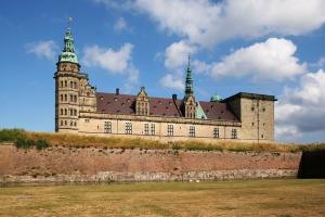 800px-Helsingor_Kronborg