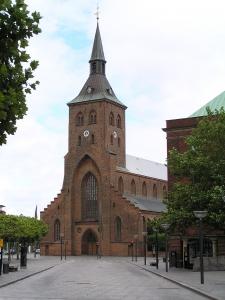 800px-Odense_-_Sankt_Knuds_kirke_2005-07-16